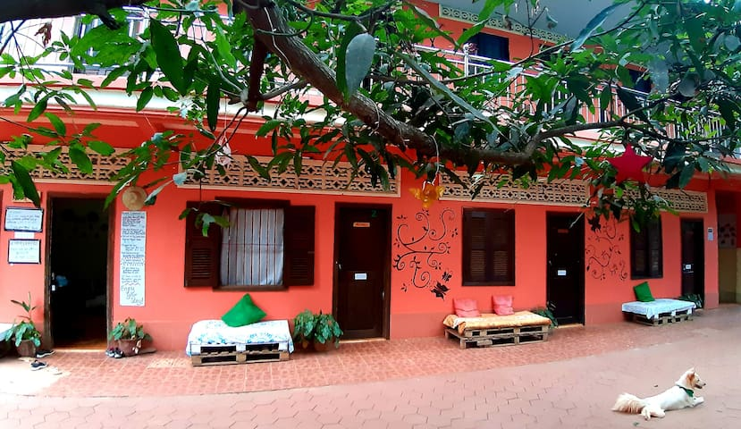 Stay with Local,near Angkor (Private room&Bath) #2