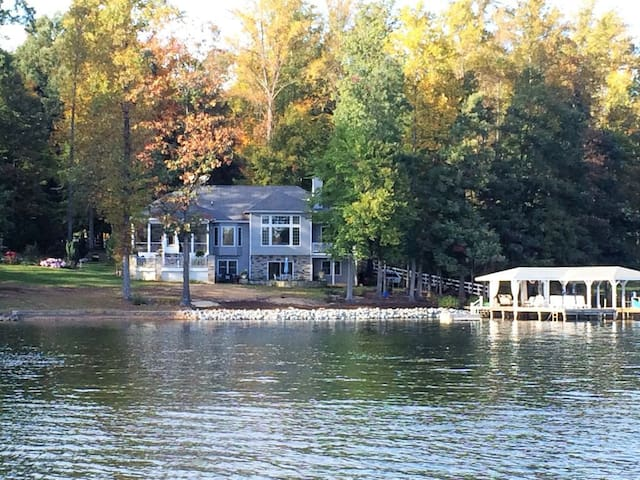 Renovated Lake Anna home with breathtaking views!