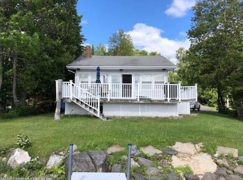 Acogedora casa de campo en Portage Lake, ideal para trineos