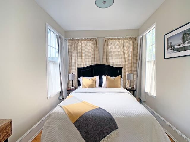 Bedroom 2: Queen size bed, room with private exterior entrance and en-suite bathroom