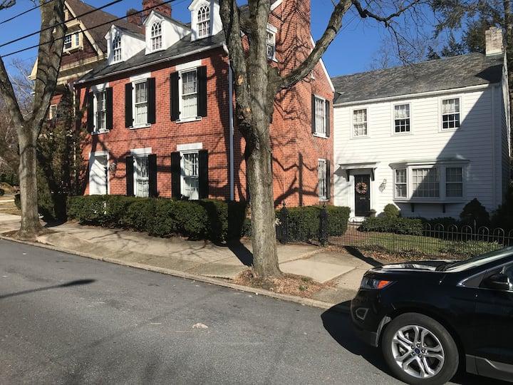 Private Apartment in Historic