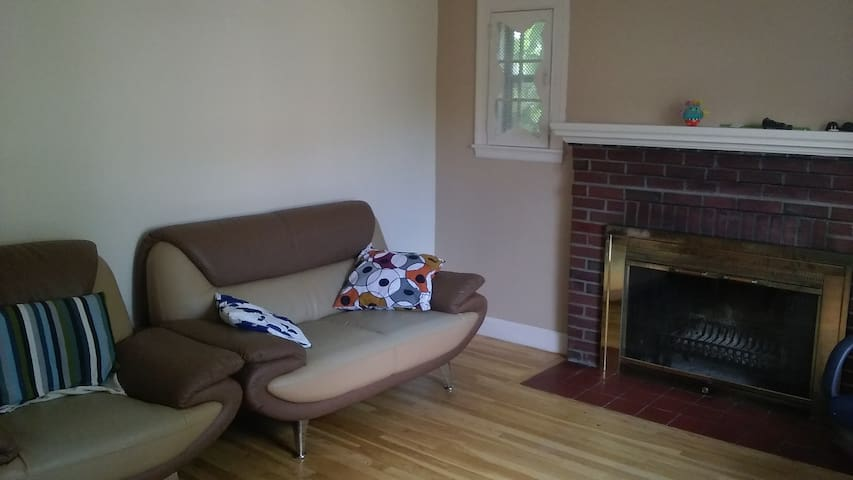Single bedroom in a quiet place - Dedham - House