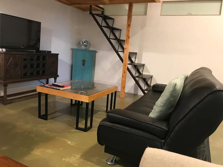 Loft with yard in convenient area