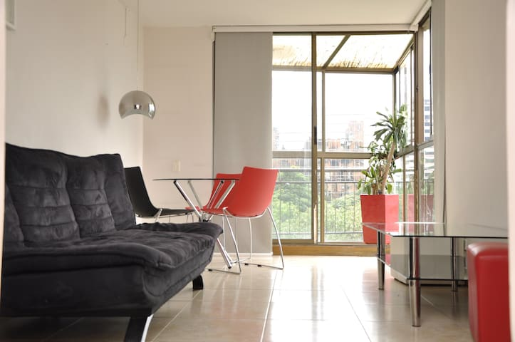 HABITACION ECONOMICA EN MEDELLIN POBLADO - Medellín - Apartment