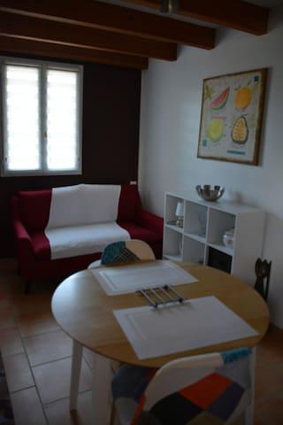 meublé de tourisme 30 m²  dans parc arboré