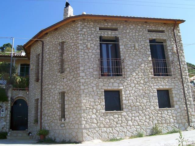The old tower - Marantochori - Casa