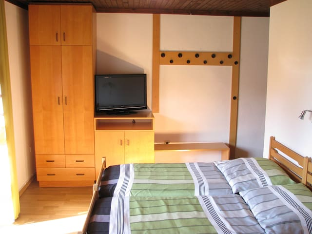One bedroom app with balcony and mountain views - Kranjska Gora - Apartamento