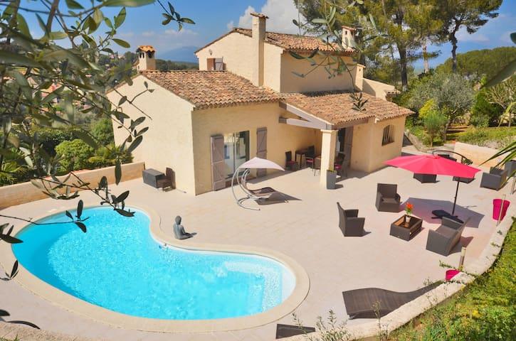 Villa ESCOMESSA, Vue, Calme, PISCINE chauffée