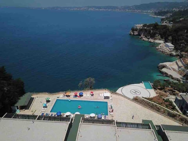 Amazing View! B & C New Apartment in Vlora