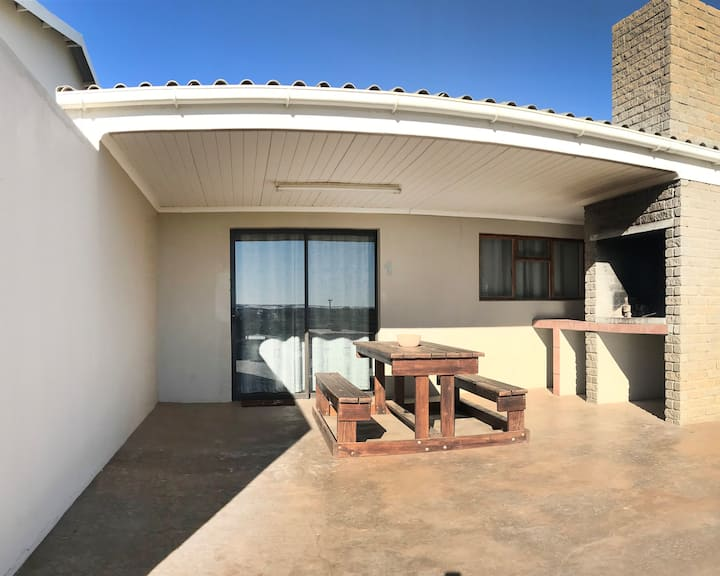 Elandsbaai Woonstelle (Apartment 1)