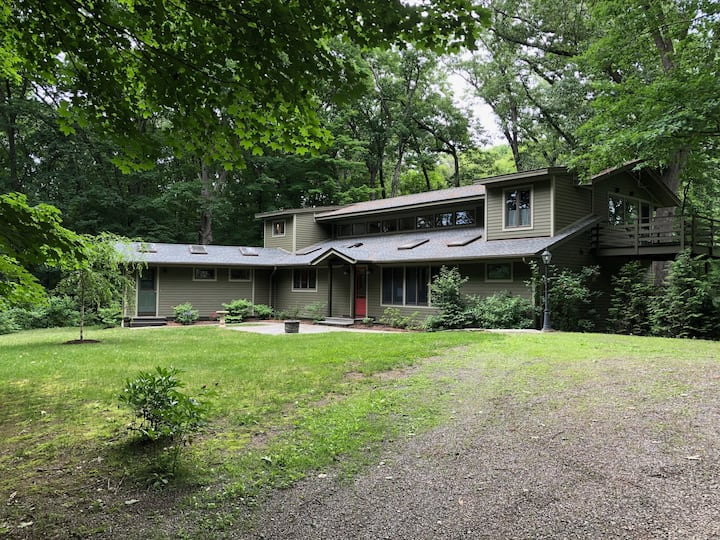 Rhinebeck Retreat in the Woods