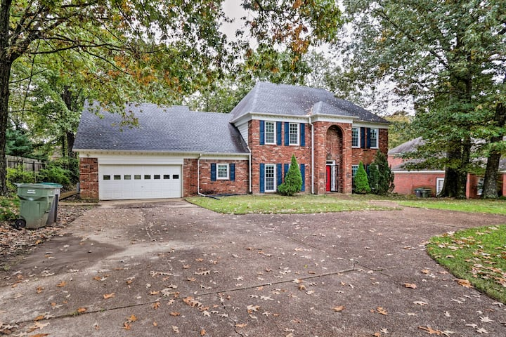 Pet-Friendly House 4.6 Miles to Shelby Farms Park!