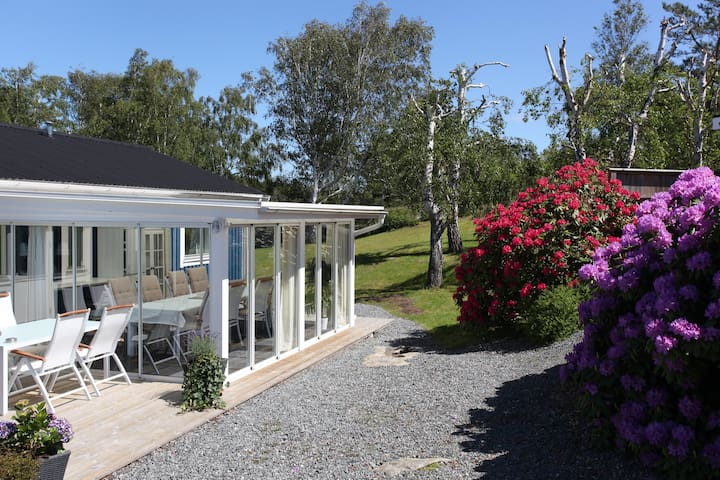 Villa Ekvatorn - Tiny houses for Rent in Hjuvik - Airbnb