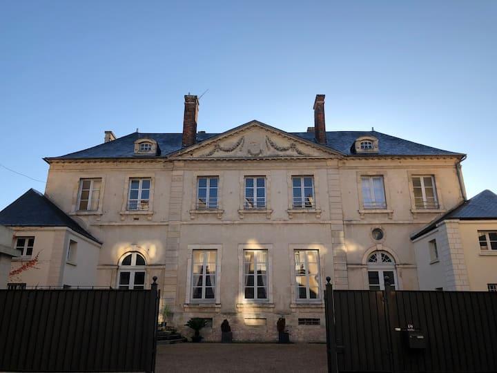 Chambre de la Fresnaye, Castel Saint-Léonard