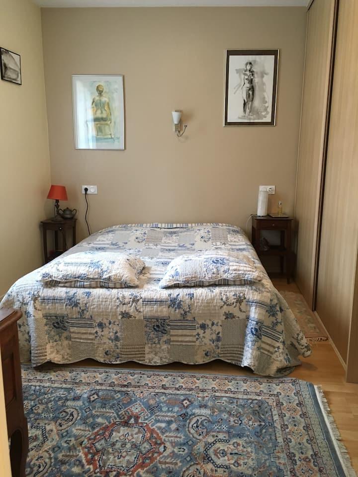 Chambre privée dans maison individuelle.
