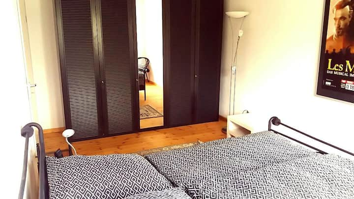 Doppelzimmer in Haus mit Garten