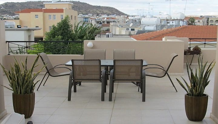 Stunning 2 bedroom penthouse with large patio area
