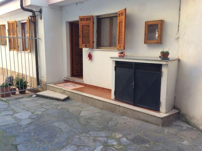 Casa indipendente vicino al mare - Ventimiglia - Huis