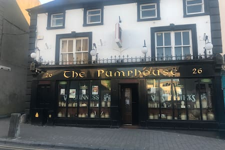 The Pumphouse Pub and 3 Bed Accommodation