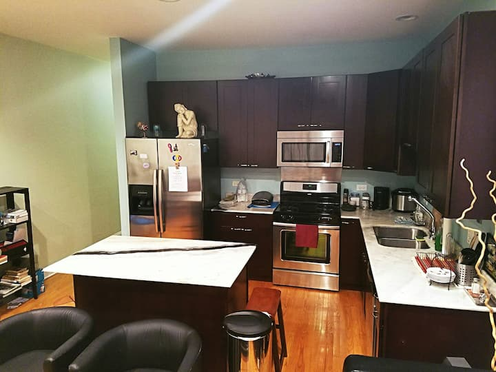 SPACIOUS and VERY BRIGHT 2BDR LOFT near DOWNTOWN