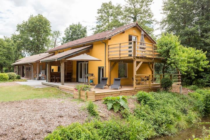 Maison en pleine nature pres du lac