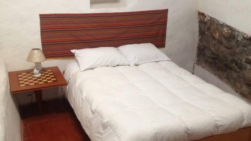 SanCris155 double room couple & single