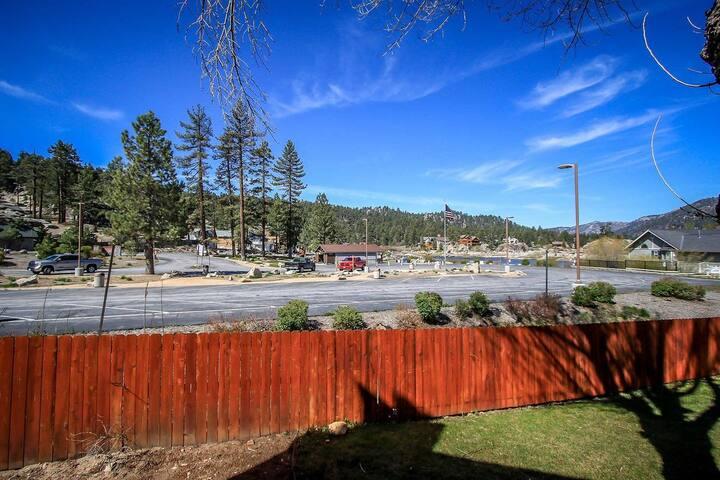Boulder Creek 1417 Lakeside Lower Level Condo / Summertime Pool + Spa