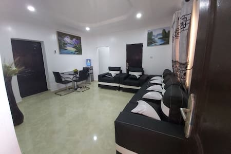 Irresistible fully furnished & serviced apartment