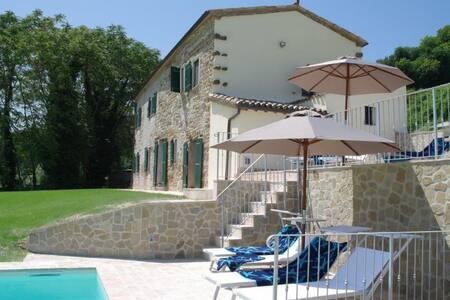 uniek gelegen vakantiehuis:   Casa Brizzi