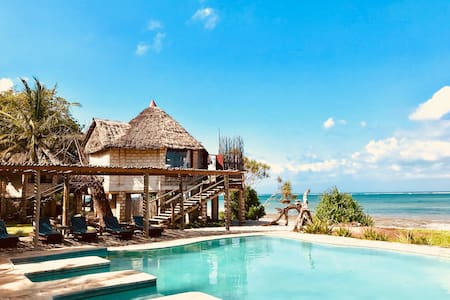 The Cove Diani,  6 A/C Chalets for 12 -  USD 350