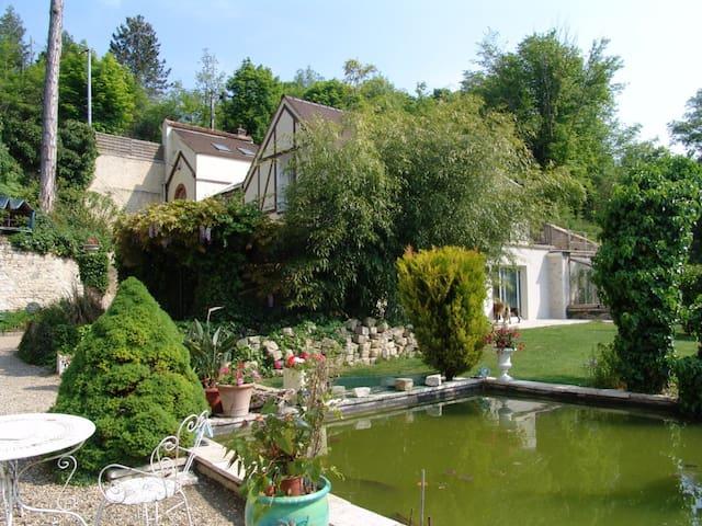 Appartement 50m2 bord de rivière - Montigny-sur-Loing - Lejlighed