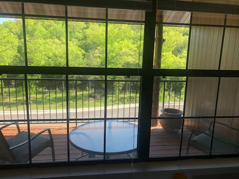 Small Cozy 1 Bedroom W/ Fabulous Private Deck! #2