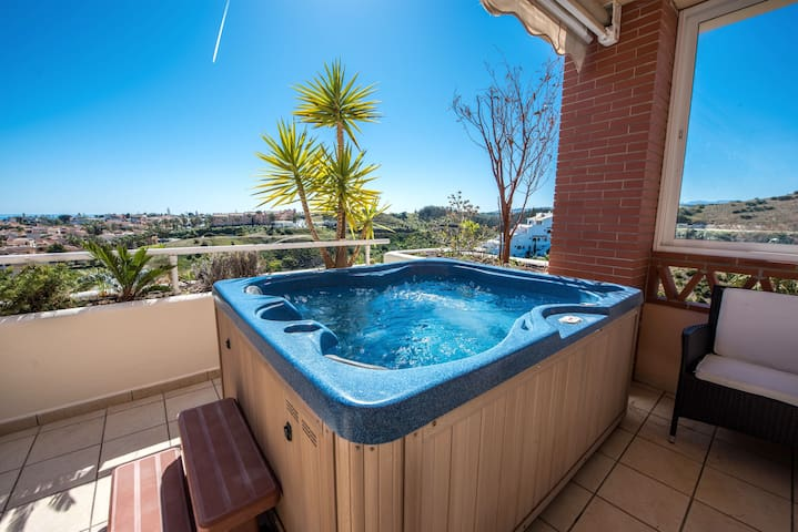 Condo in Malibu, Club La Costa, 2 Heated Pools #4 - Mijas - Appartement