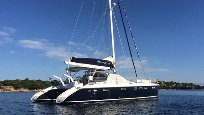 Luxury sailing catamaran 50 feet all confort - Porto Cervo