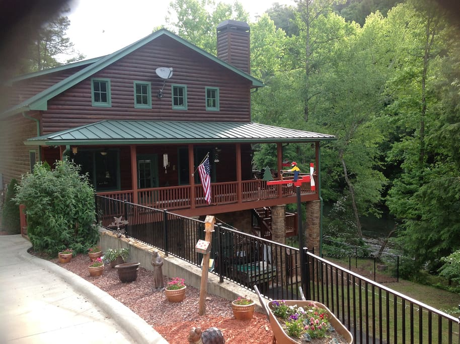 rushing river retreat cabins for rent in dahlonega