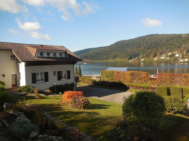 Un joli F2 au calme face au lac - Gérardmer - Hus