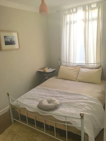 Sunny luxe double room by the sea - Penzance - House