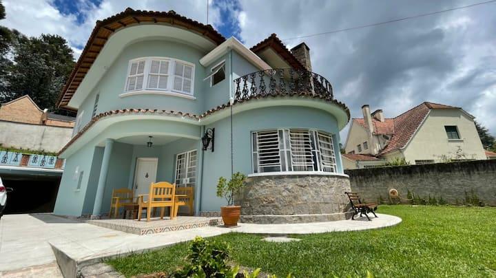 Excelente casa a 300 metros do centro de capivari.