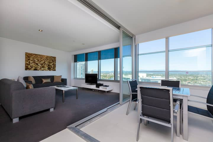 Q1 Resort - Two Bedroom Spa Apartment