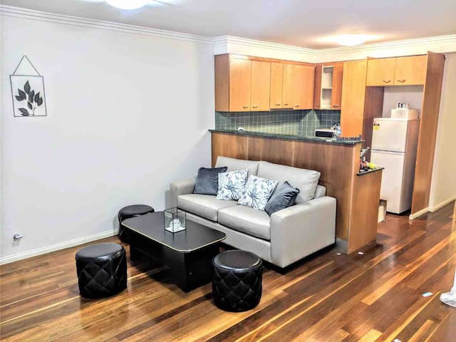 NEW Sydney city CBD 2 bed rooms