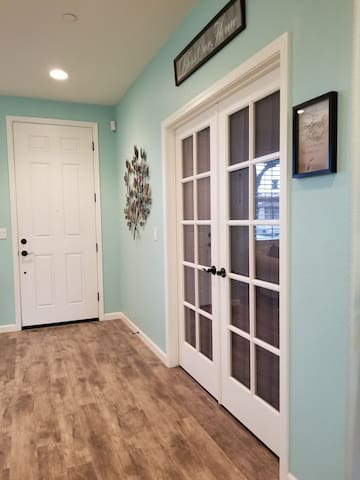 Large, Fresh, New, Clean, Private Suite & Bathroom