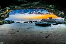 Caves Beach  Popular family beach - explore the sea caves and rock pools on low tide.