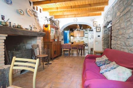 Casa Indipendente - Varzi - Hus