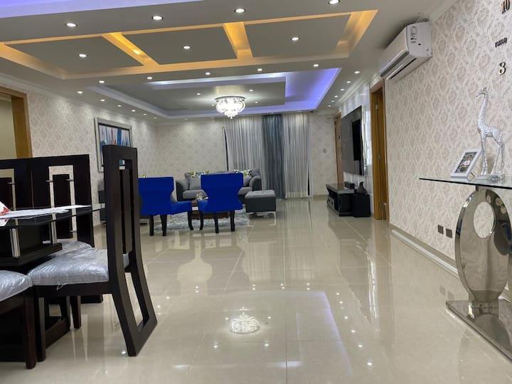 Apartamento de Lujo, 2 habitaciones 2.5 baños