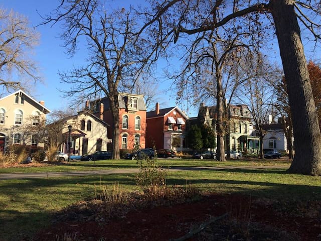Historic West Village Eb Johnson's Porter Cottage