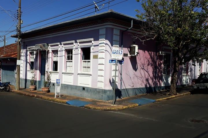 Casa Antiga com Charme
