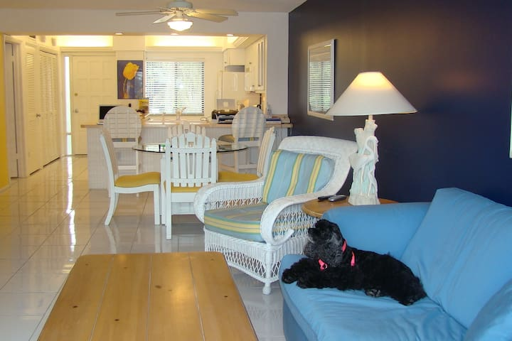 Pet Friendly Beautiful Condo on Sanibel