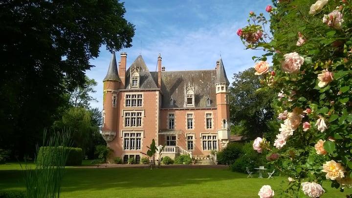 B & B au château de la Vernède, au Sud Clermont-F.