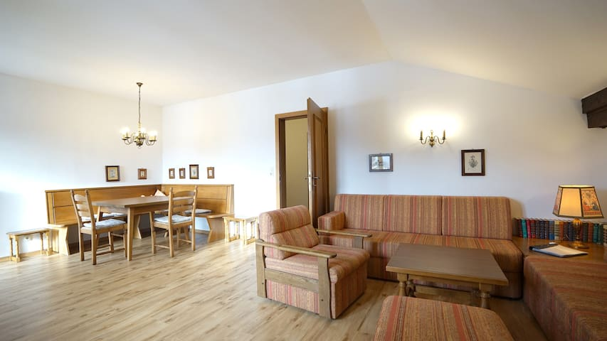 Landhaus Frenes Apartments, Seefeld in Tirol - Seefeld - Tatil evi