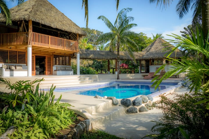 Osa Beach House w/ Pool